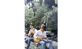 Tak Matsumoto & Daniel Ho Live! 2017 -Electric Island, Acoustic Sea-