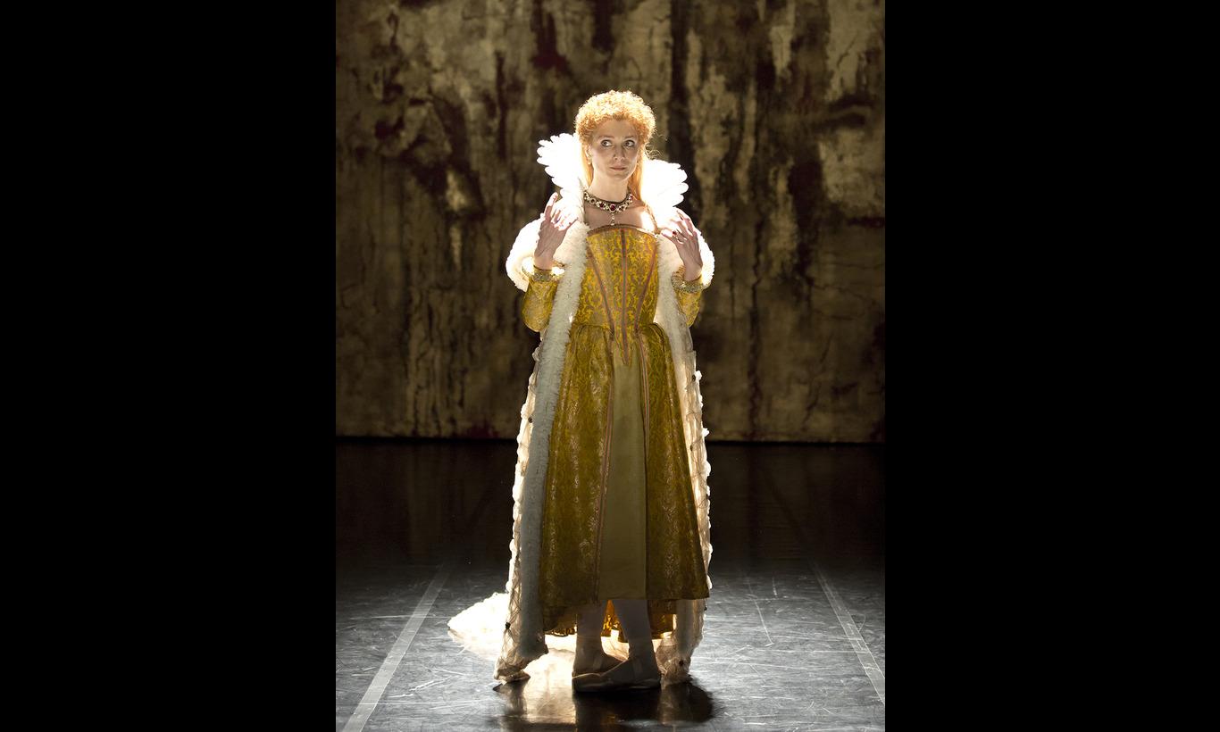 英国ロイヤル・バレエ団「エリザベス」