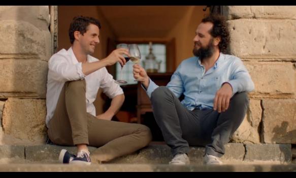 人気俳優がワインの魅力をあらゆる角度からお伝えします!