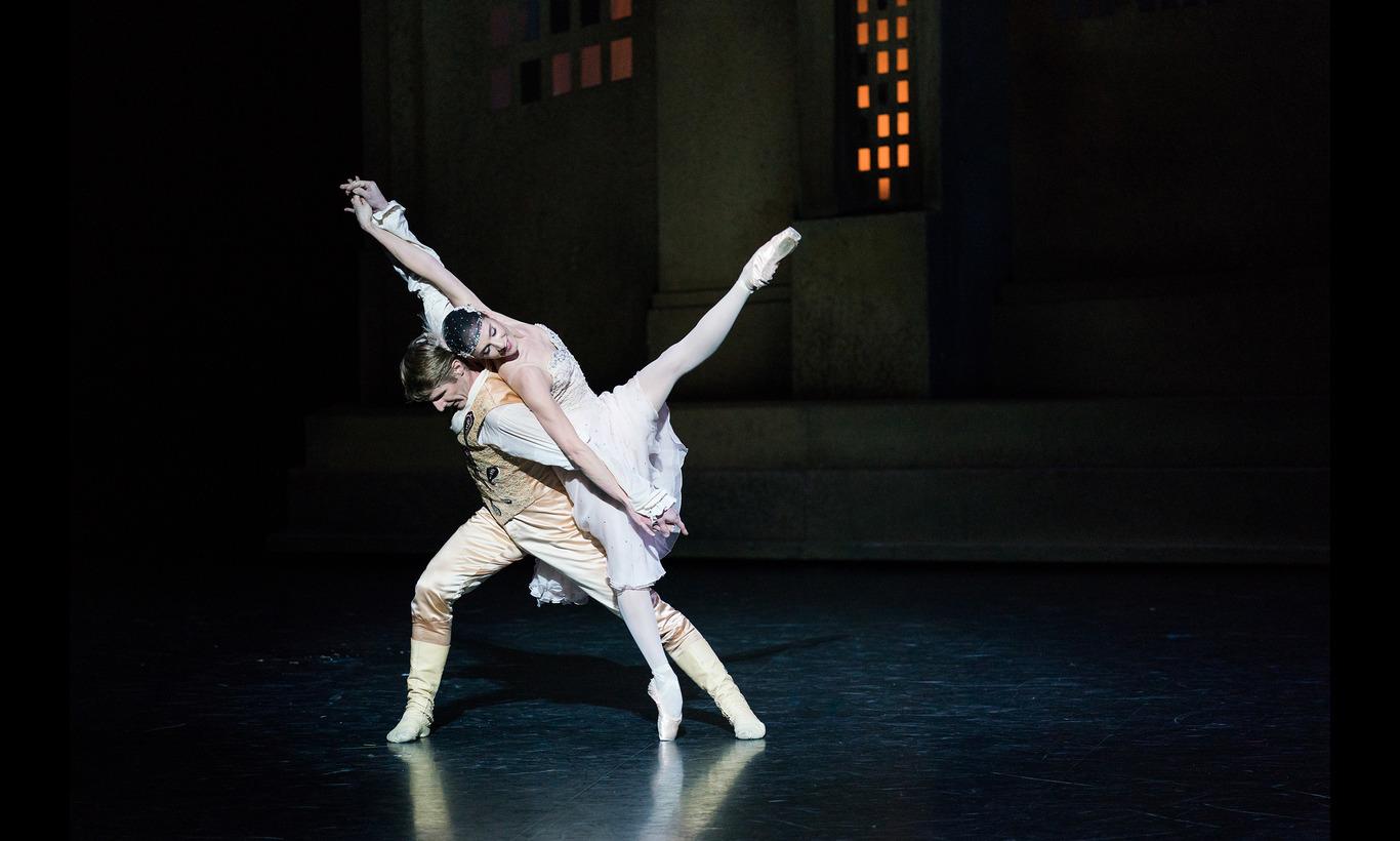 パリ・オペラ座バレエ団「シンデレラ」