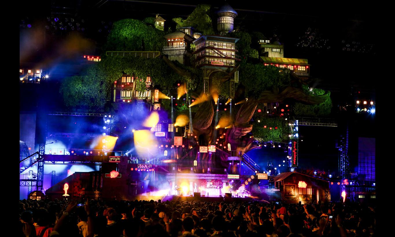 SEKAI NO OWARI Tour 2015「Twilight City at NISSAN STADIUM」-WOWOW version-