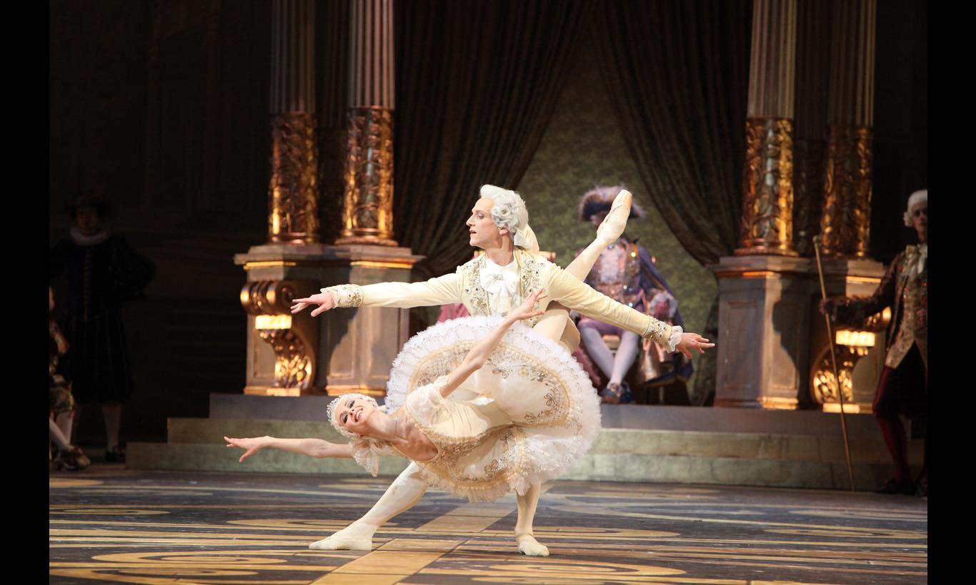 ボリショイ・バレエ団「眠れる森の美女」主演スヴェトラーナ・ザハーロワ