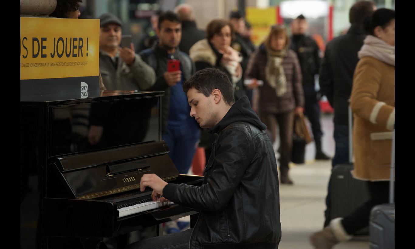 パリに見出されたピアニスト
