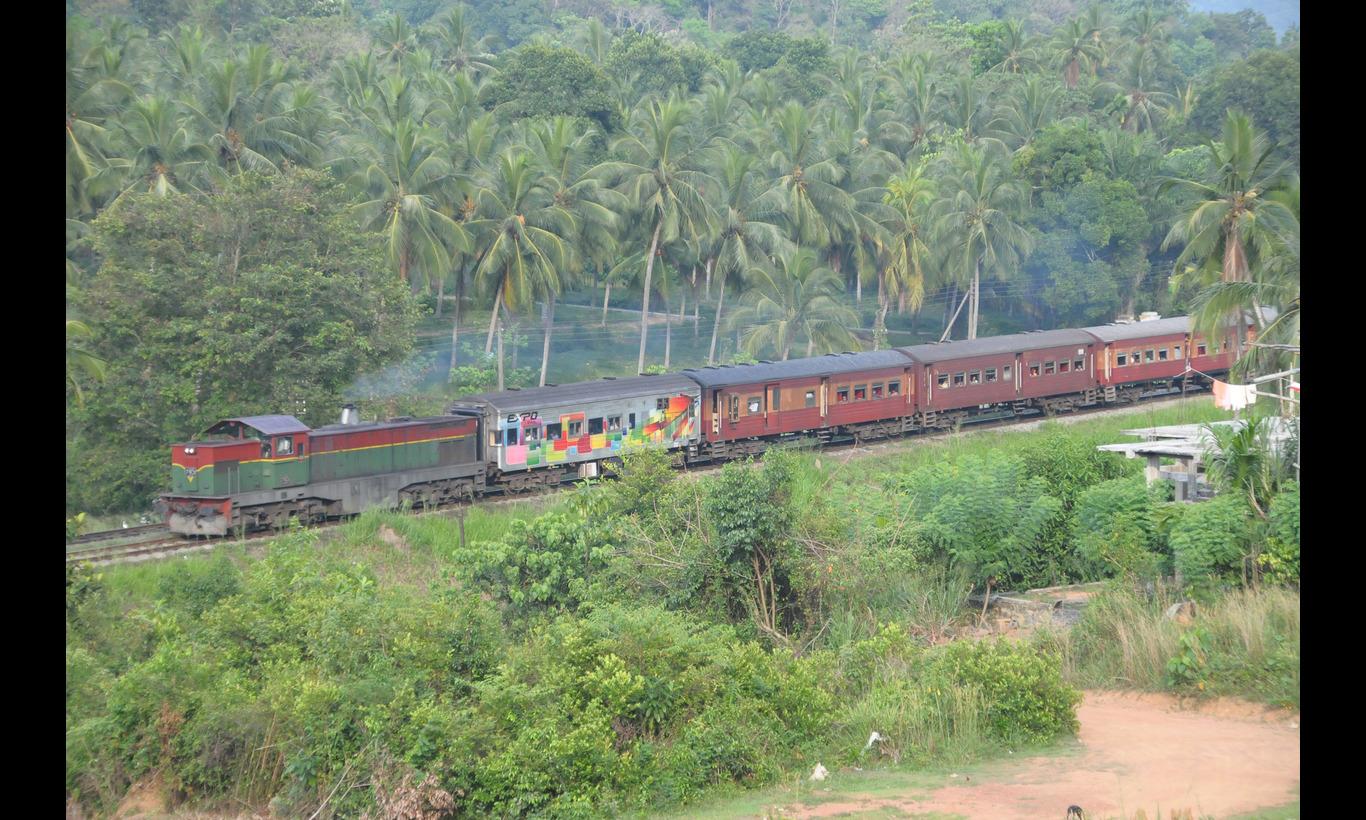 Railway Story 輝きの島スリランカを行く