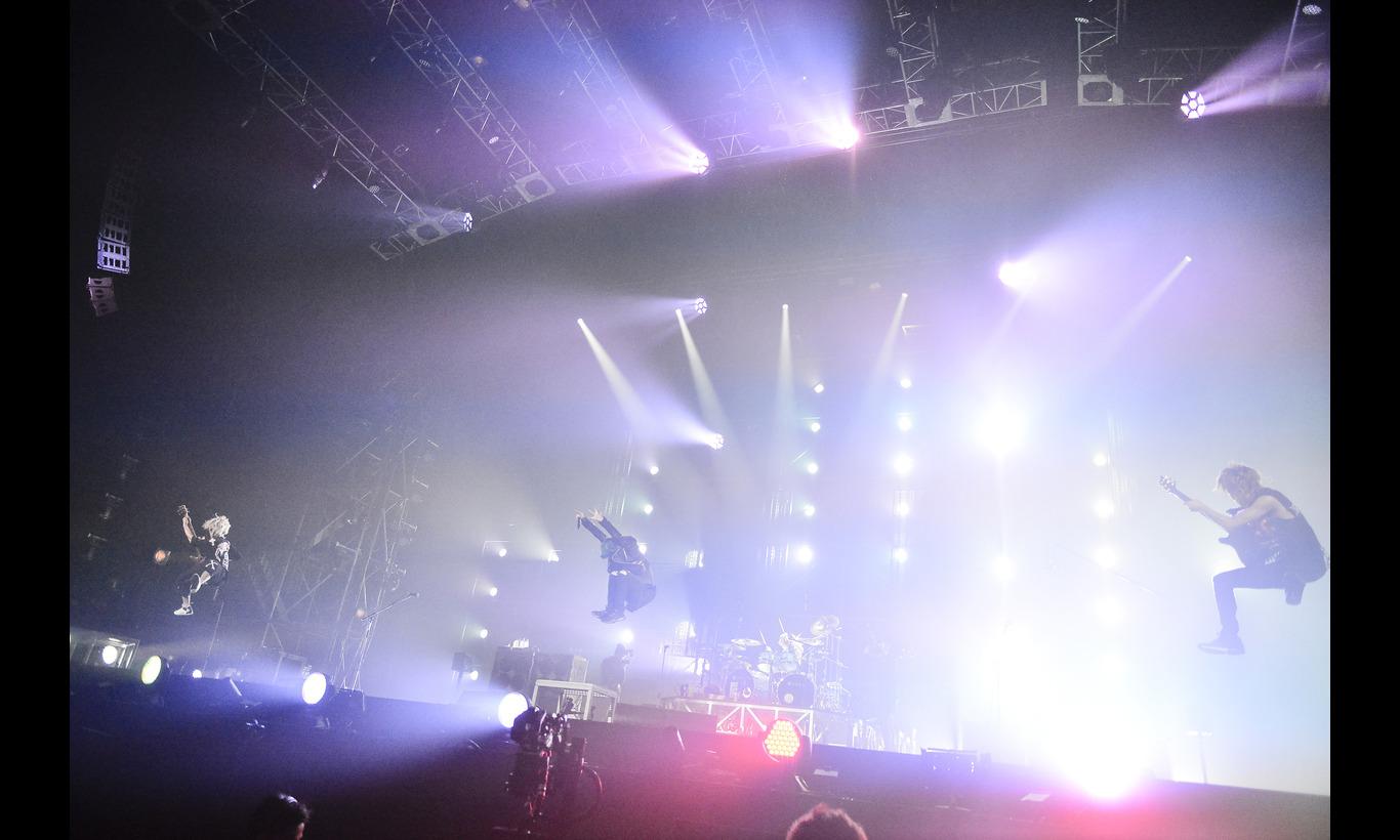 "ONE OK ROCK 2015 ""35xxxv"" JAPAN TOUR"