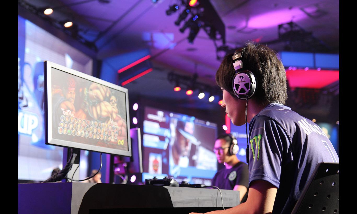 国際共同制作プロジェクト 格闘ゲームに生きる