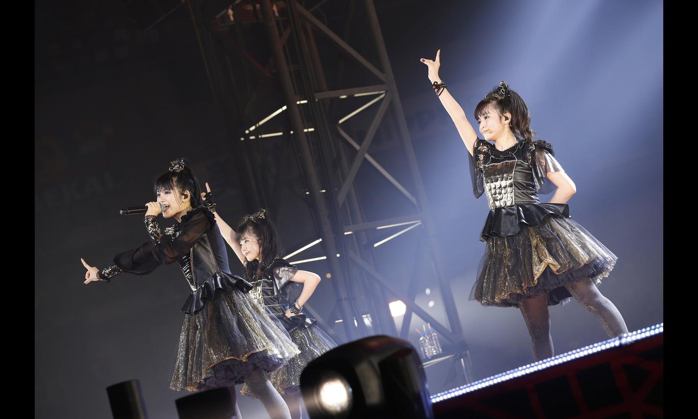 BABYMETAL WORLD TOUR 2016 LEGEND -METAL RESISTANCE-
