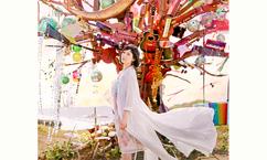 【絢香 10th Anniversary SUPER BEST TOUR】絢香×WOWOWオリジナルサイン入りパンフレットプレゼント!