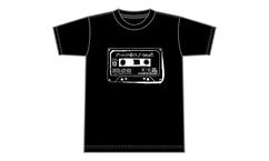 【LIVE TIPS #1 tricot 】LIVE TIPS×ヴィレッジヴァンガードコラボキャンペーン 新曲「ブームに乗って」タイトル入り!限定Tシャツをプレゼント!