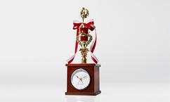 【WOWOWで当てよっかな♪】「トロフィー型目覚まし時計」をプレゼント!
